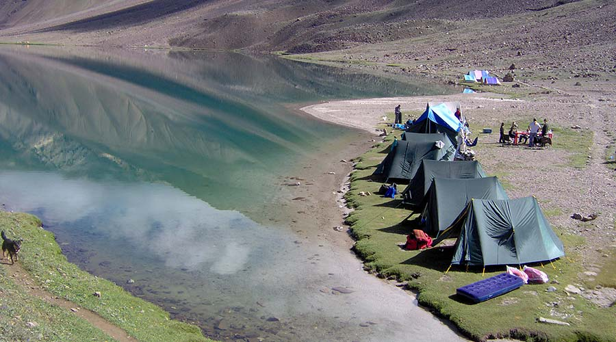 chandertal lake trek